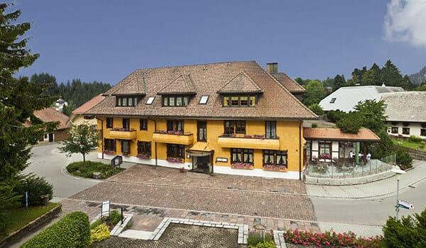 Bild zeigt das Hotel Alpenblick im Schwarzwald
